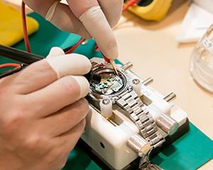 年間15万人以上のお客様が訪れる時計修理